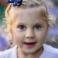 Детские глаза пробуждают в нас самое лучшее.. :: Ксения Заводчикова