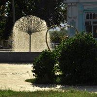 У фонтана. :: Олег Сахнов