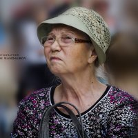 Дотошная Мадам в шляпке :: Николай Кандауров