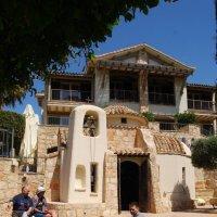 Маленький храм на территории отеля Columbia. Писсури. Кипр. :: Нелли *