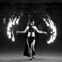 Огненный танец :: Владимир Питерский