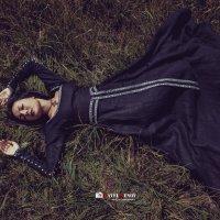 Спящая средневекoвая красавица :: Павел Генов