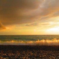 В лучах златых волна играет... :: ValyakaN Naumkina Valentina