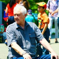 Дедушка и отдых. :: Павел Чернов
