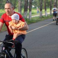 На велодорожке :: Екатерина Смирнова