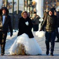 Мороз, а идти замуж надо... :: Igor Khmelev