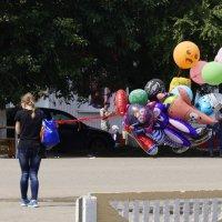 Ну  хоть кто-нибудь,купите шарик ? :: A. SMIRNOV