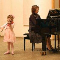 Пой, моя скрипочка маленькая! :: Александр Буянов