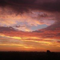 Вид на закат из моего окна... :: Юрий Поляков