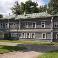 Дом-музей П.Чайковского :: Александр Буянов