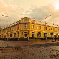 Тихвинский гостиный двор :: Сергей Кочнев