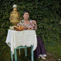 Где есть чай, там и под елью рай. :: Елена
