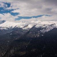 Над горами и лесами :: Sergey Oslopov
