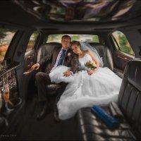 Красивый автомобиль украсит любого мужчину, красивая женщина украсит любой автомобиль :) :: Алексей Латыш
