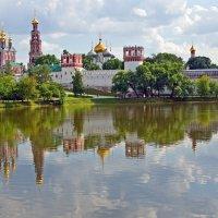 Новодевичей монастырь :: Сергей Фомичев