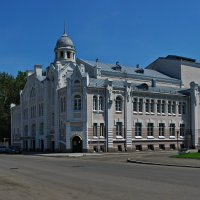 Театр. в Бийске. :: Владимир Михайлович Дадочкин
