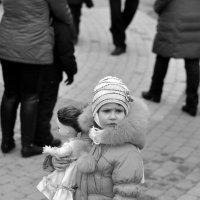 ...девочка с куклой... :: Ольга Нарышкова