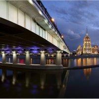 Ночные изгибы московских мостов :: Виктория Иванова