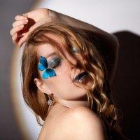 голубой мотылек :: Alexander Varykhanov