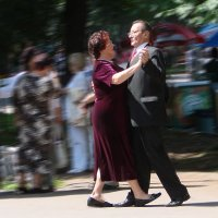 В ритме танго... :: Валерий Антипов