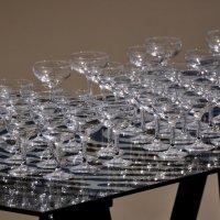 Кажется, стаканами французское вино не пьётся... :: Ирина Данилова
