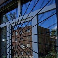 В окне... :: Павел Зюзин