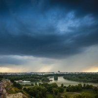 Дождь над Белградом :: Дмитрий Садов