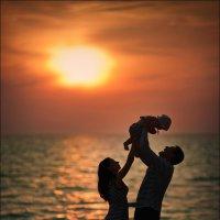 Самое ценное, что может подарить женщина мужчине – это ребёнок :) :: Алексей Латыш