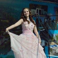 День города. «На сцене артистка, певица, и просто красавица» :: Sergey Serebrykov