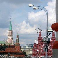 Из окна Василия Блаженного. :: Larisa