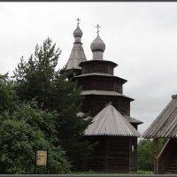 Ярусная церковь Николы 1757 года из д. Высокий Остров Окуловского района :: Вера