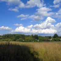 Облака над деревушкой :: Анатолий Антонов