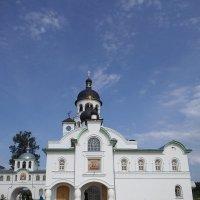 На фоне неба белых храм... :: BoxerMak Mak