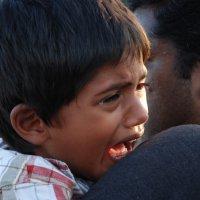 Мальчик, почему ты плачешь? :: Lara