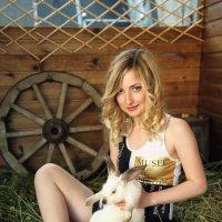 Белый кролик :: Mikhail Khorev