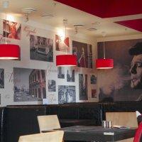 В пустом кафе, где музыка играет :: solv13 Лариса