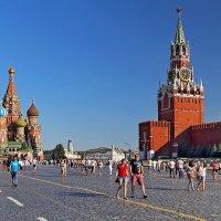 Июль на Красной площади :: Alexandr Zykov