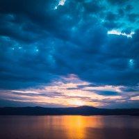 Над озером тучи :: Александр Беляев