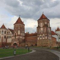 Белорусь. Мирский замок. :: Lana