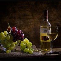 Виноград и белое вино :: Татьяна Кожевникова (esquirol)