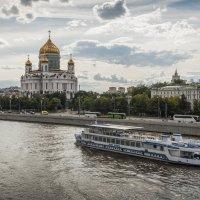 По Москве-реке :: Константин Фролов