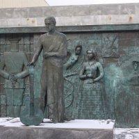 Памятник В.С.Высоцкому в Самаре. Автор -М.Шемякин. :: Любовь (Or.Lyuba) Орлова