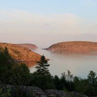 Закат на Немецком острове в Белом море :: Людмила Бессонова