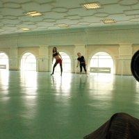 Танцы :: фотоГРАФ Е.Буткеева .