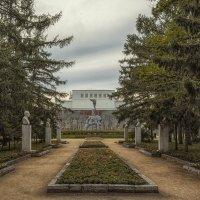Новосибирск. Сквер героев революции :: Елена Черненко