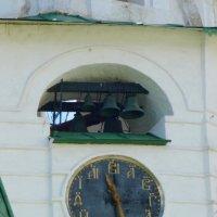 Часы-куранты на кремлевской колокольне Суздаля :: Galina Leskova