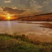 закат на озере :: kram