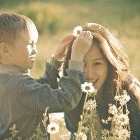 -Погоди, цветочек зацеплю... :: Арина Михайлова