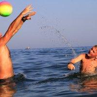 Пляжные забавы :: Геннадий Валеев
