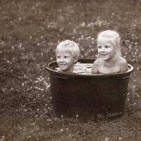 детские забавы... :: oleg Golubtcov